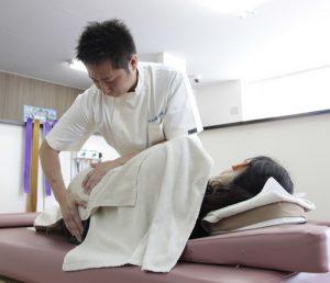 平塚市・鎌倉市大船かもめ整骨院グループの産後骨盤矯正はボキボキしないソフトな矯正です!